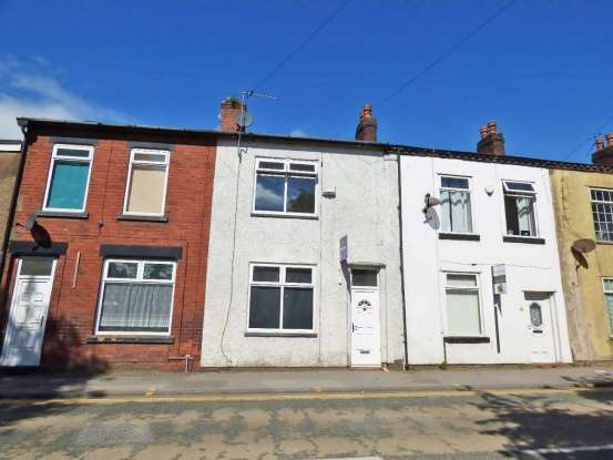 Terraced House for sale in Westleigh Lane, Leigh, Lancashire, WN7 5JE