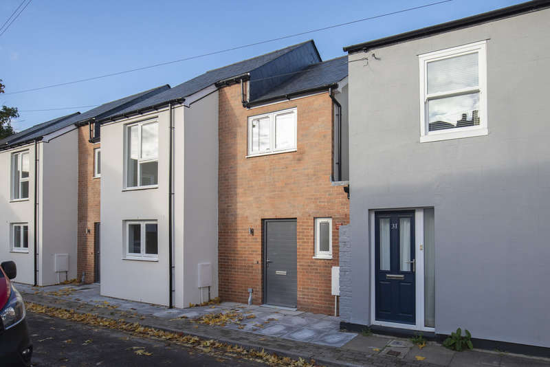 2 Bedrooms Terraced House for sale in Columbia Street, Cheltenham GL52 2JR