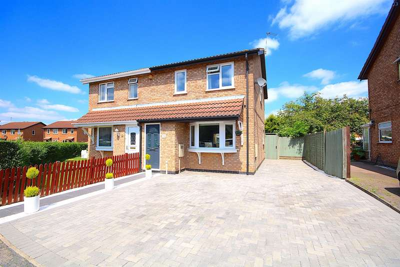 3 Bedrooms Semi Detached House for sale in Sedgefield Drive, Syston