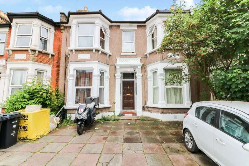 1 Bedroom Flat for sale in Empress Avenue, Ilford, IG1