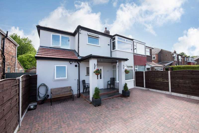 4 Bedrooms Semi Detached House for sale in Windsor Crescent, Prestwich