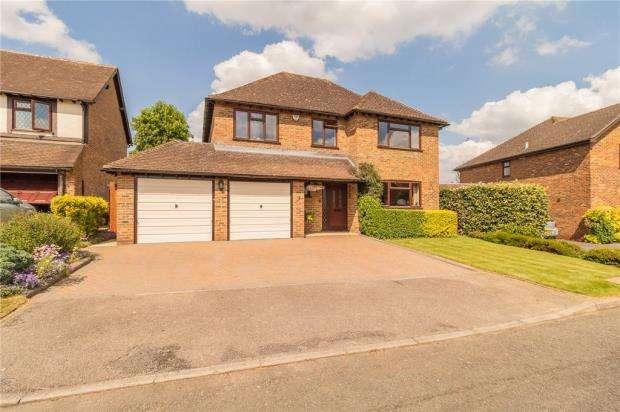 4 Bedrooms Detached House for sale in Bowmans Close, Burnham, Slough