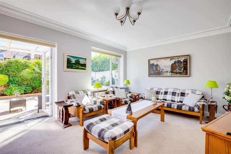 4 Bedrooms Semi Detached House for sale in Fielding Road, London W4