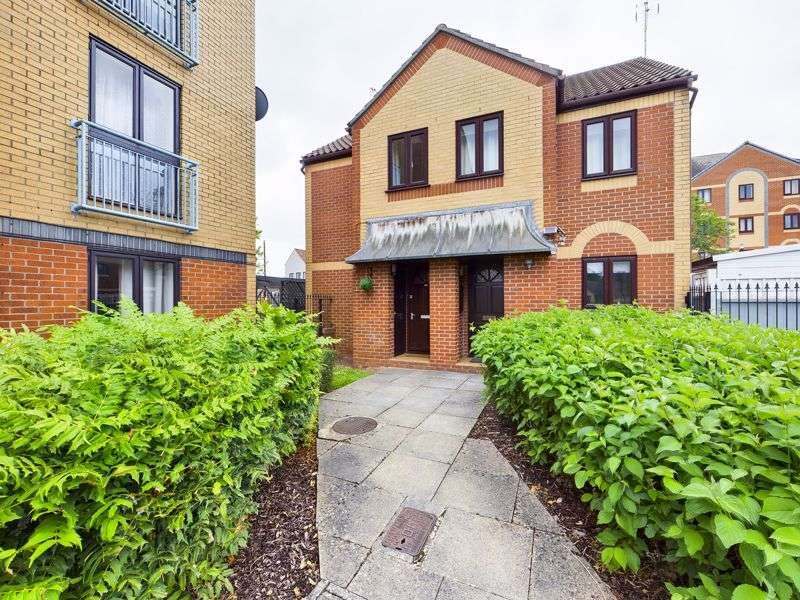 2 Bedrooms Property for sale in Crates Close, Bristol