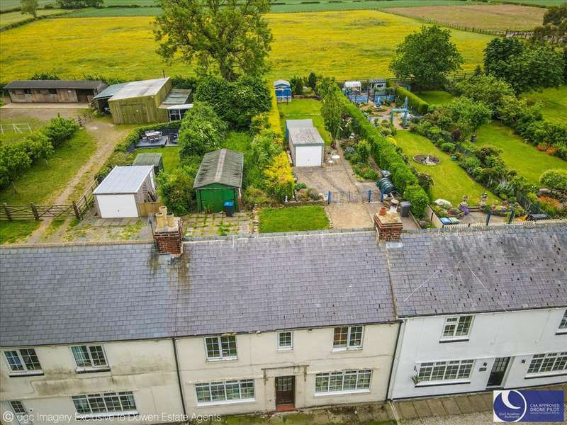 3 Bedrooms Terraced House for sale in TOWN KELLOE, TOWN KELLOE, Durham City : Villages East Of, DH6 4PR