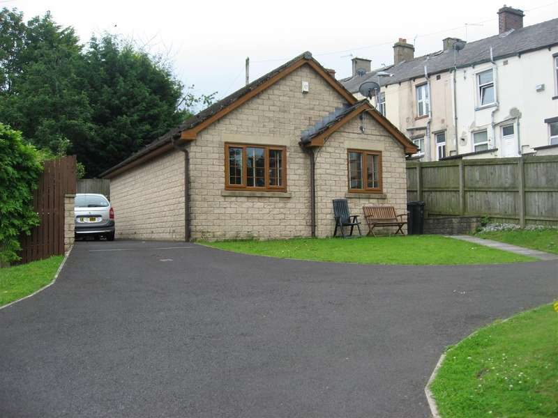 2 Bedrooms Detached Bungalow for sale in Barker Court, Brierfield, Nelson