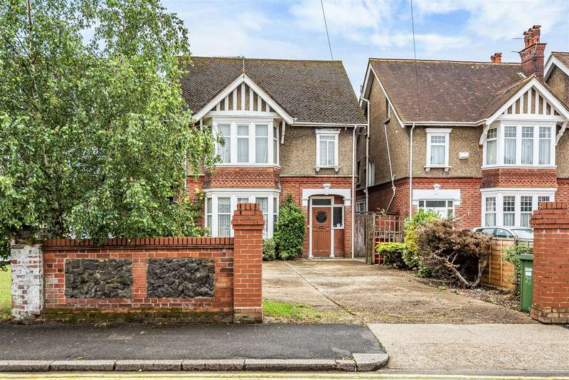6 Bedrooms Detached House for sale in Sussex Place, Slough