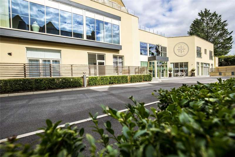 1 Bedroom Property for sale in Stratton Court Village, Stratton Place, Stratton GL7