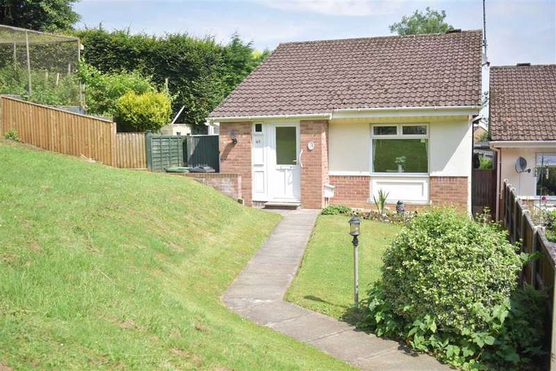 2 Bedrooms Bungalow for sale in May Lane, Dursley, GL11