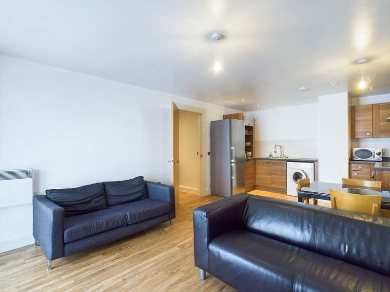 2 Bedrooms Flat for sale in Chapel Street, Salford, Greater Manchester, M3