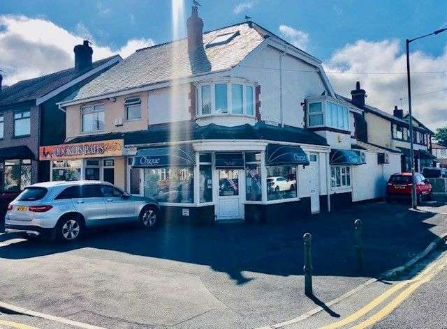 Property for sale in Chique 37 Beach Road, Cleveleys, FY5