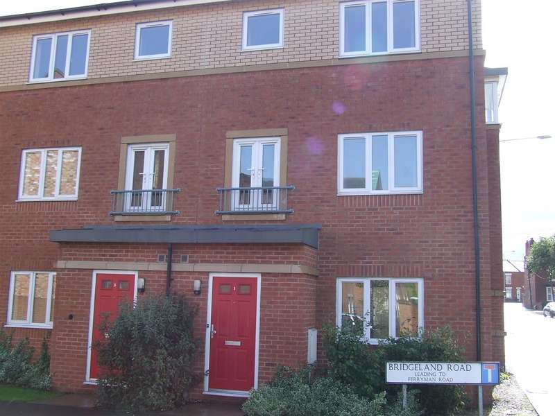 6 Bedrooms Terraced House for sale in Bridgeland Road, Loughborough, LE11 1GE