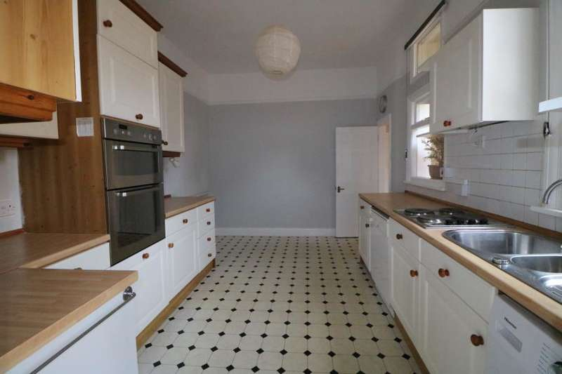 2 Bedrooms Maisonette Flat for rent in Conway Road, Southgate, N14