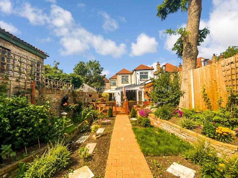 3 Bedrooms House for sale in Sutton Road, Southend On Sea