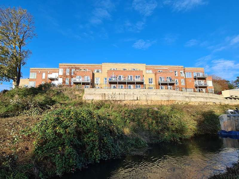 2 Bedrooms Retirement Property for sale in Stroudwater Court, Cainscross Road, Stroud, GL5 4ET