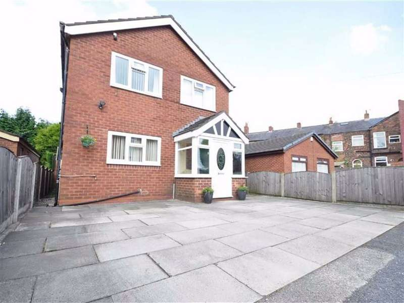 4 Bedrooms Detached House for sale in Gorseyfields, Droylsden, Manchester