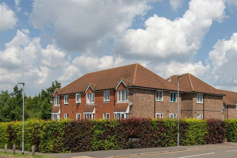 1 Bedroom Flat for sale in Abbey Mews, Dunstable, Bedfordshire