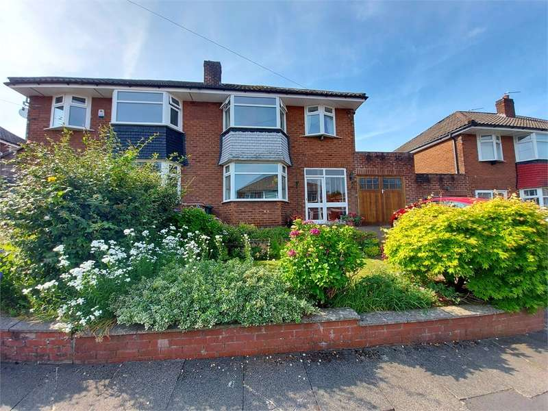 3 Bedrooms Semi Detached House for sale in Malvern Road, Middleton, MANCHESTER, Lancashire