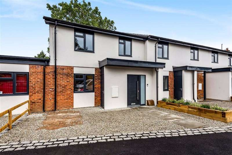 1 Bedroom End Of Terrace House for sale in Lea Road, Sonning Common, Sonning Common Reading