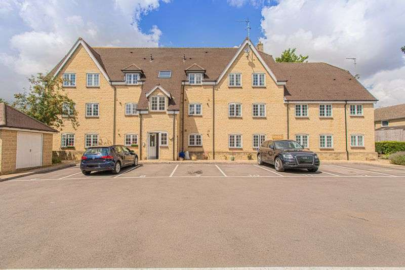 3 Bedrooms Property for sale in Courthouse Road, Tetbury
