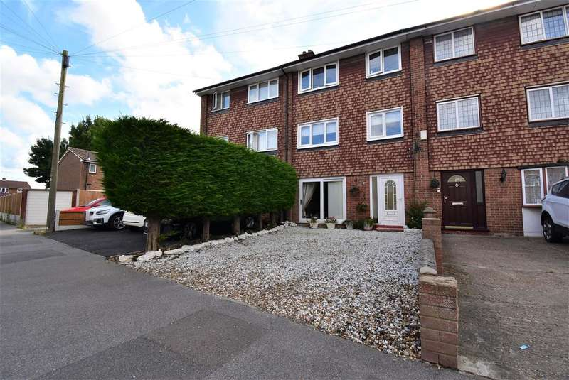4 Bedrooms Town House for sale in Godman Road, Chadwell St.Mary