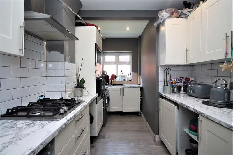 2 Bedrooms Bungalow for sale in Hereford Road, Holland on Sea
