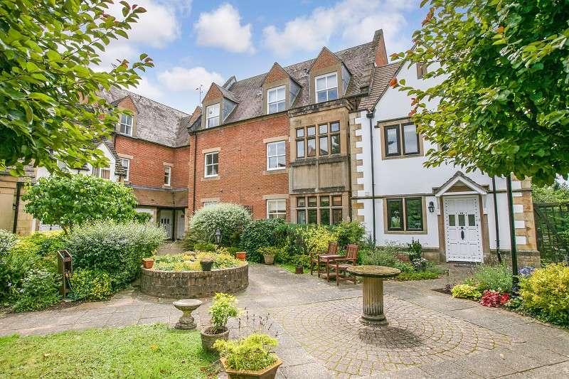 1 Bedroom Flat for sale in The Grange, Moreton-in-marsh, Gloucestershire. GL56 0AU