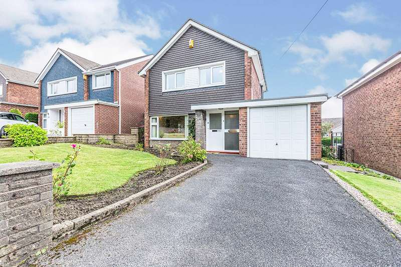 3 Bedrooms Detached House for sale in Briercliffe Road, Burnley, Lancashire, BB10