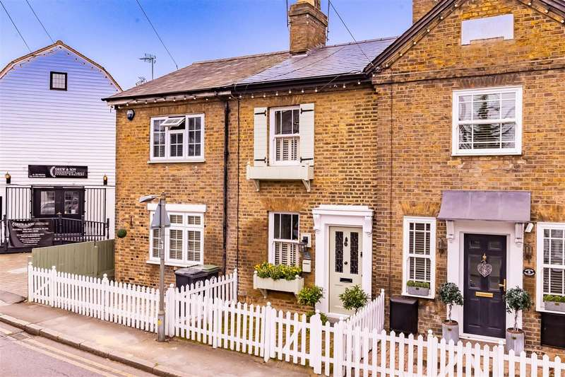 2 Bedrooms Terraced House for sale in Goulds Cottages, Market Place, Abridge