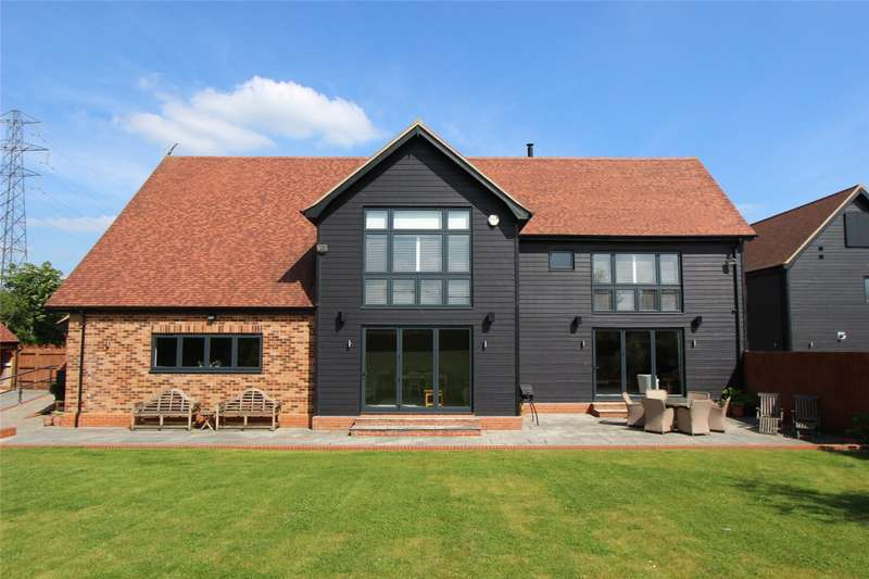5 Bedrooms Detached House for sale in Trenders Avenue, Rayleigh, SS6