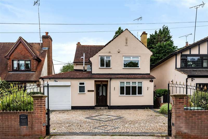 3 Bedrooms Detached House for sale in Copthall Green, Waltham Abbey, EN9