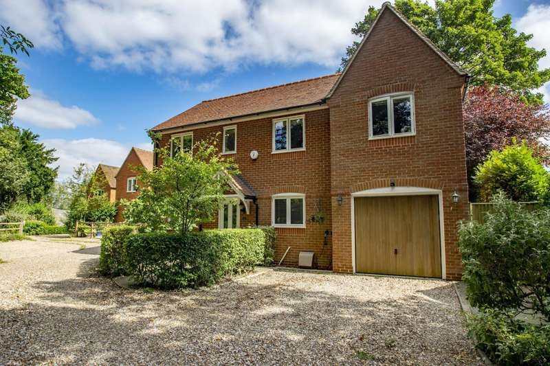 4 Bedrooms Detached House for sale in Wood Green, Woodcote, Reading, RG8