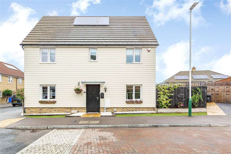 3 Bedrooms Link Detached House for sale in Small Heath Avenue, Romford, RM3
