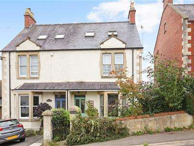 4 Bedrooms House for sale in Coronation Road, Stroud