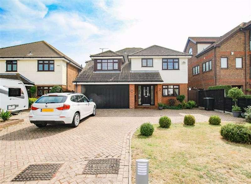 5 Bedrooms Detached House for sale in Admirals Walk, Shoeburyness