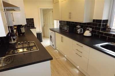 4 Bedrooms Terraced House for rent in Belmont Road, Ashton-on-Ribble