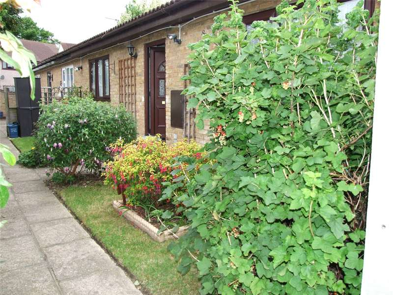 1 Bedroom Bungalow for sale in Milton Close, Southend-on-Sea, SS2