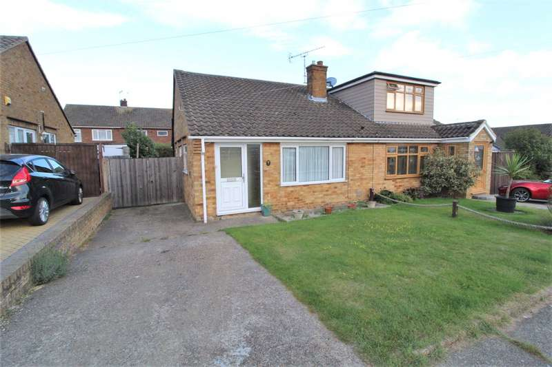 2 Bedrooms Semi Detached Bungalow for sale in Farm Way, Benfleet, SS7