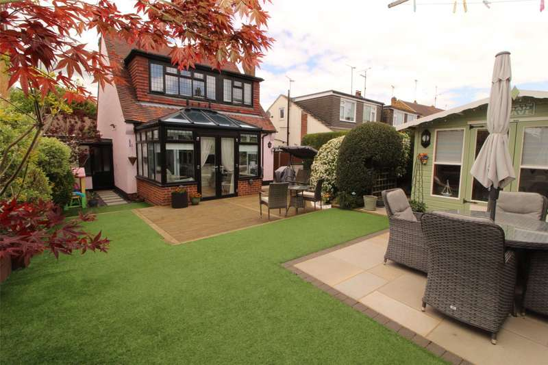 3 Bedrooms Detached House for sale in Eastwood Old Road, Leigh-on-Sea, SS9