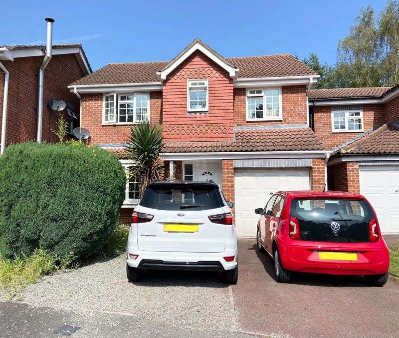 4 Bedrooms Property for sale in Peggotty Place, Sandhurst