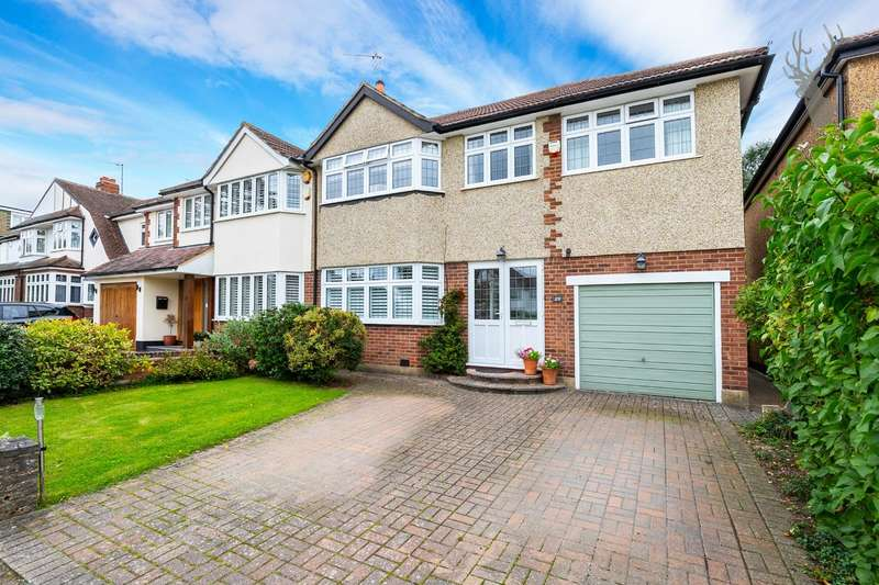 4 Bedrooms Semi Detached House for sale in Woodland Way, Theydon Bois, Epping
