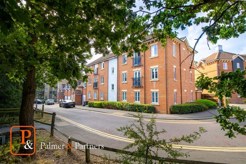 2 Bedrooms Apartment Flat for sale in Bradford Drive, Colchester CO4
