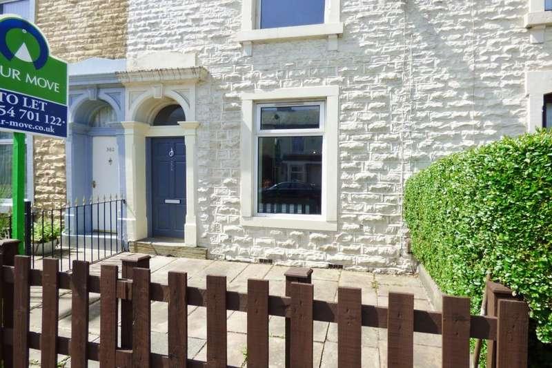 3 Bedrooms Terraced House for rent in Blackburn Road, Darwen, BB3
