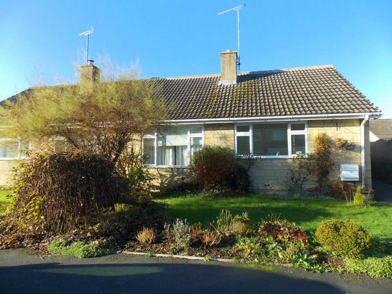 3 Bedrooms Semi Detached House for rent in Chesterton Park , Cirencester
