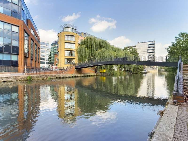 2 Bedrooms Flat for sale in Oyster Wharf, Crane Wharf, Reading, RG1