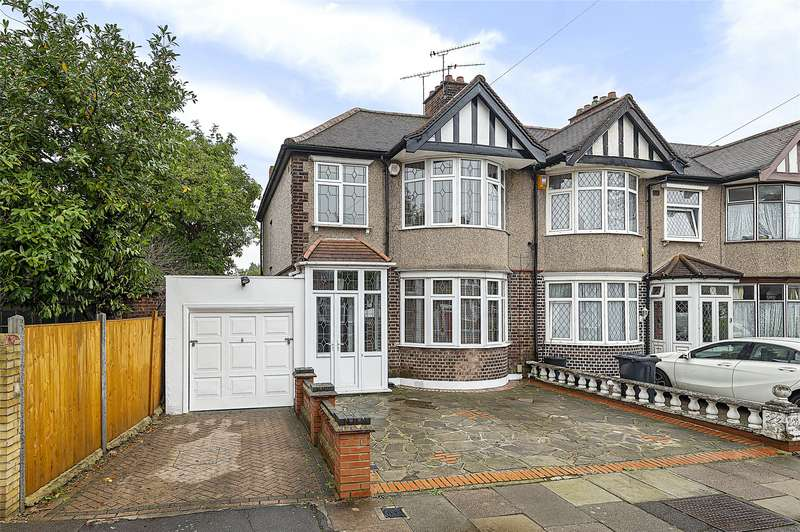 3 Bedrooms End Of Terrace House for sale in Galsworthy Avenue, Romford, RM6