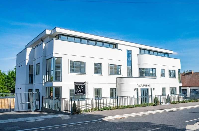 2 Bedrooms Apartment Flat for sale in Stortford Road, Dunmow