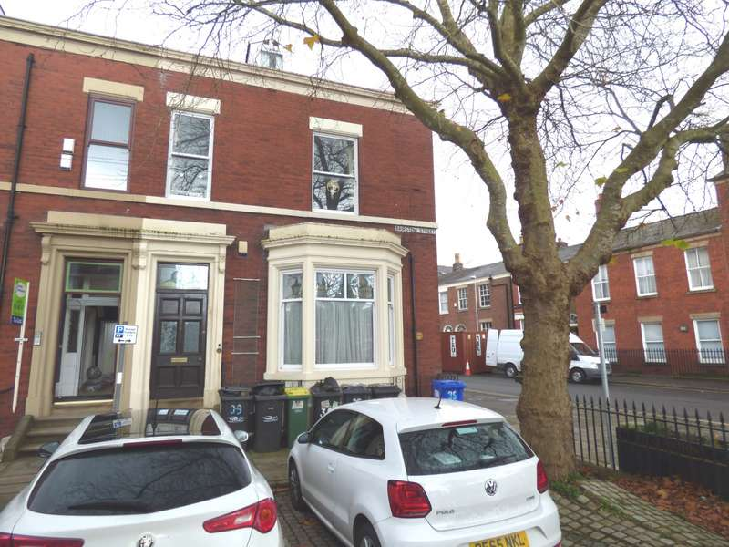 5 Bedrooms Terraced House for sale in Preston, Lancashire