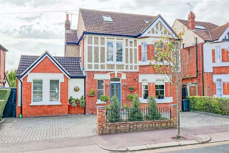 4 Bedrooms Detached House for sale in Western Road, Leigh-On-Sea, Essex