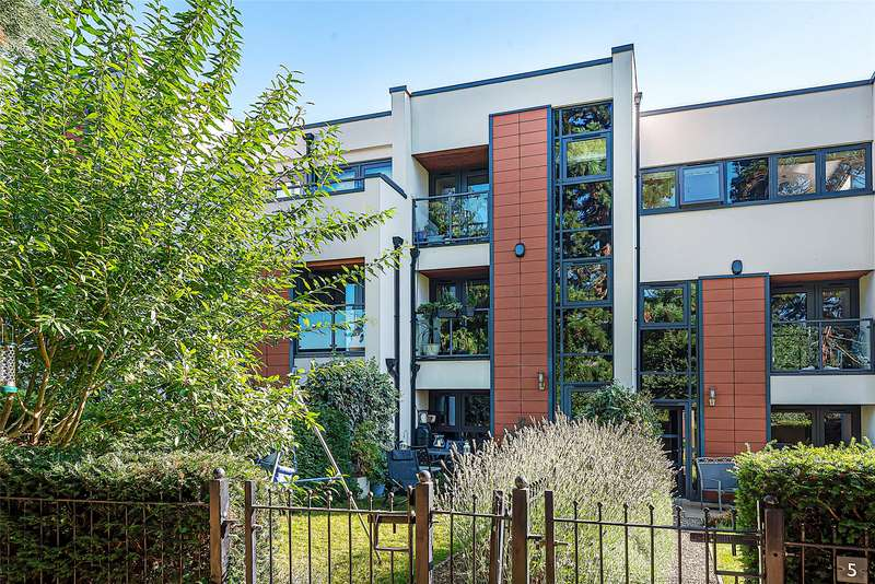 4 Bedrooms Terraced House for sale in The Chestnuts, Cleevelands Drive, Cheltenham, GL50